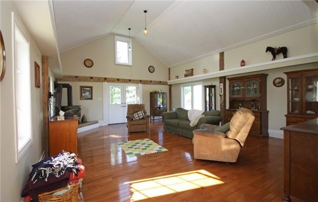 Rural Residence at 280 Fallis Line Line, Cavan Monaghan, Ontario. Image 20