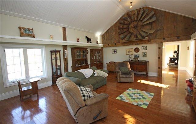 Rural Residence at 280 Fallis Line Line, Cavan Monaghan, Ontario. Image 2