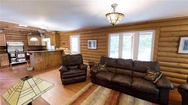 Rural Residence at 495375 Veterans Rd S, Chatsworth, Ontario. Image 2