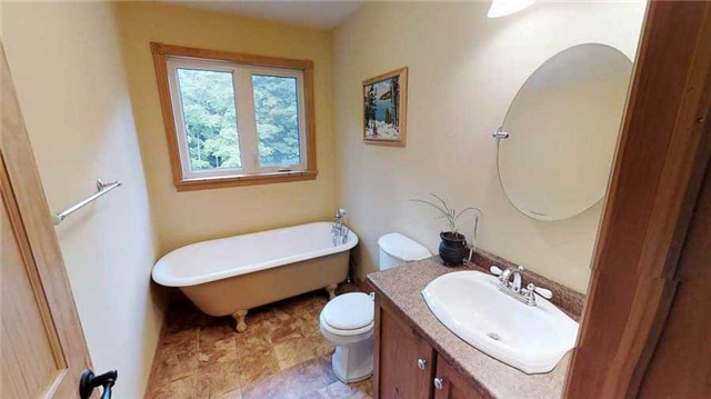 Rural Residence at 495375 Veterans Rd S, Chatsworth, Ontario. Image 9