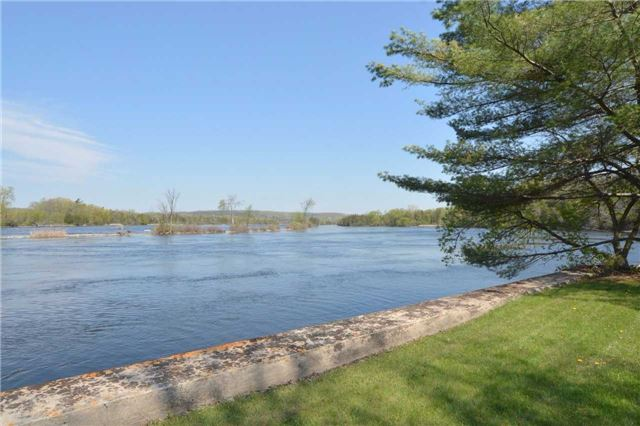 Detached at 125 River Dr, Quinte West, Ontario. Image 5