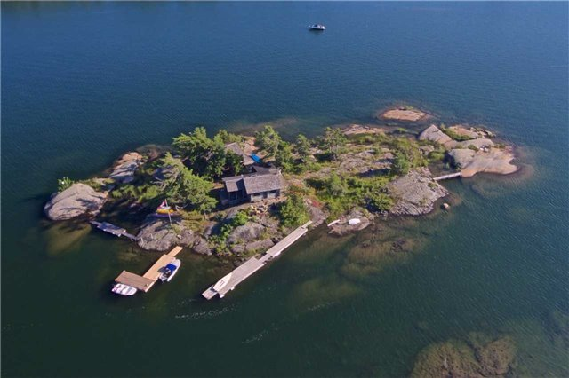Cottage at 1 A418 Island, The Archipelago, Ontario. Image 1