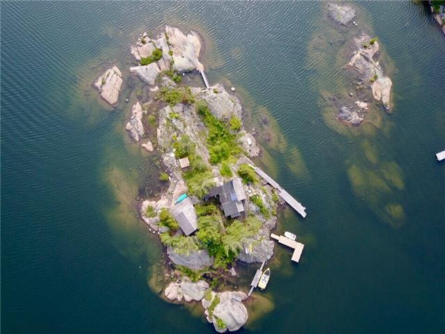 Cottage at 1 A418 Island, The Archipelago, Ontario. Image 12