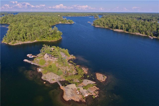 Cottage at 1 A418 Island, The Archipelago, Ontario. Image 14