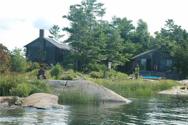 Cottage at 1 A418 Island, The Archipelago, Ontario. Image 19