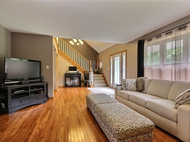 Detached at 1312 Wigle Grove Rd, Kingsville, Ontario. Image 12