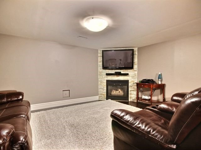 Detached at 1312 Wigle Grove Rd, Kingsville, Ontario. Image 3