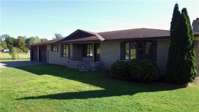 Detached at 516 County Rd 121, Kawartha Lakes, Ontario. Image 10