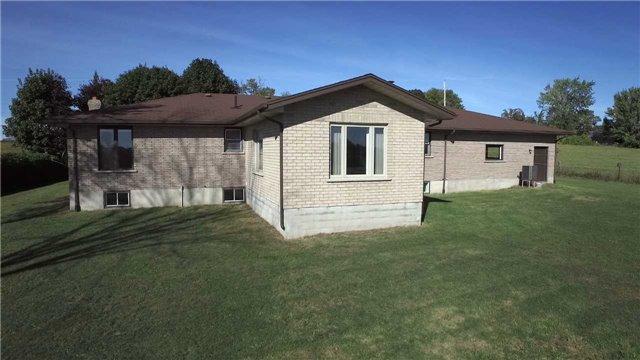 Detached at 516 County Rd 121, Kawartha Lakes, Ontario. Image 11