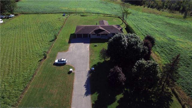 Detached at 516 County Rd 121, Kawartha Lakes, Ontario. Image 13