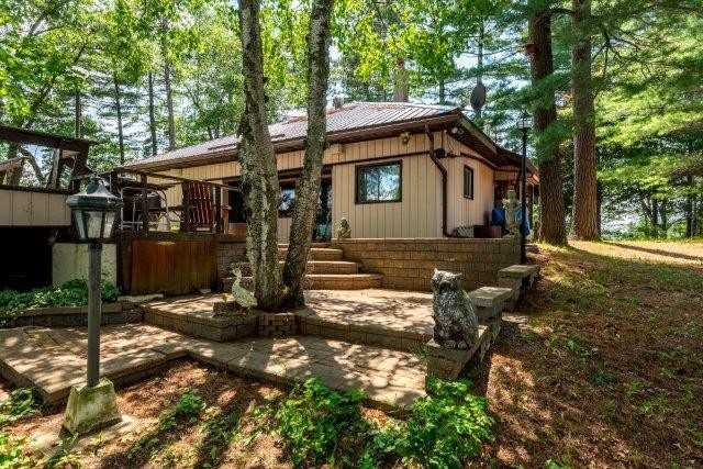 Cottage at 3 Island 2, Havelock-Belmont-Methuen, Ontario. Image 17