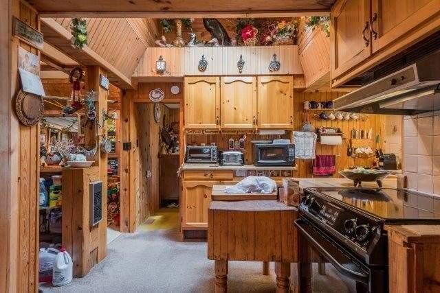 Cottage at 3 Island 2, Havelock-Belmont-Methuen, Ontario. Image 6