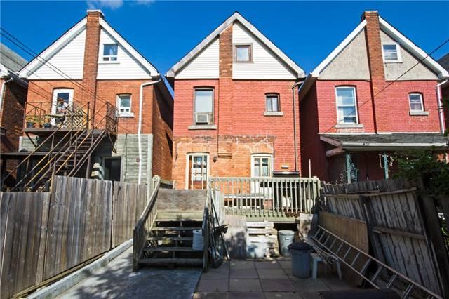 Detached at 204 Grosvenor Ave N, Hamilton, Ontario. Image 4