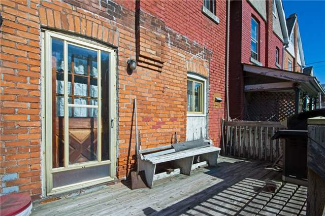 Detached at 204 Grosvenor Ave N, Hamilton, Ontario. Image 5