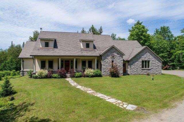 Rural Residence at 90 King Sdrd, Huntsville, Ontario. Image 8