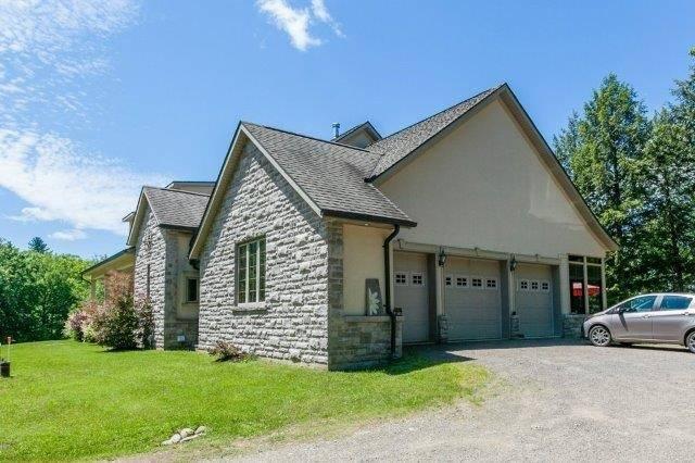 Rural Residence at 90 King Sdrd, Huntsville, Ontario. Image 9