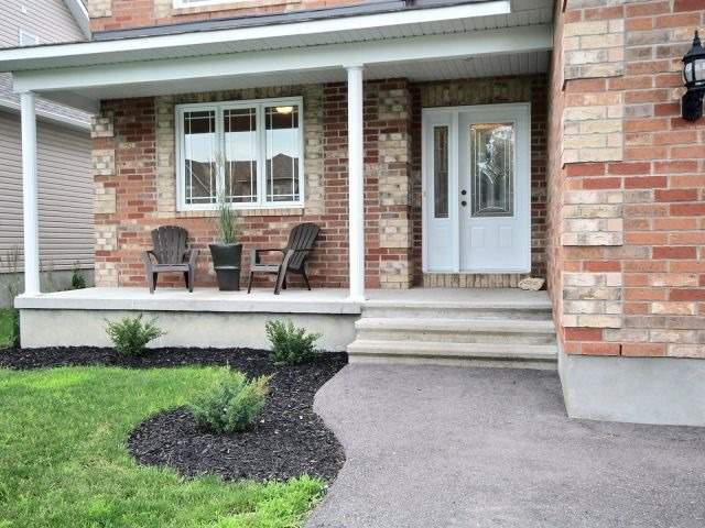 Semi-detached at 16 Pebblemill Lane, Russell, Ontario. Image 14