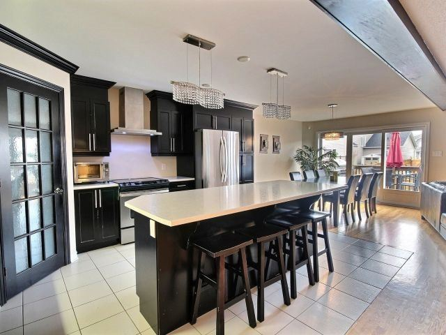 Semi-detached at 16 Pebblemill Lane, Russell, Ontario. Image 17