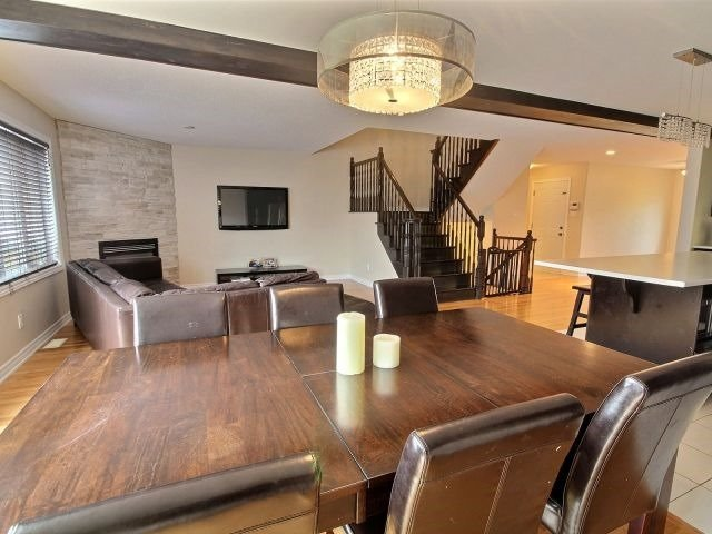Semi-detached at 16 Pebblemill Lane, Russell, Ontario. Image 4