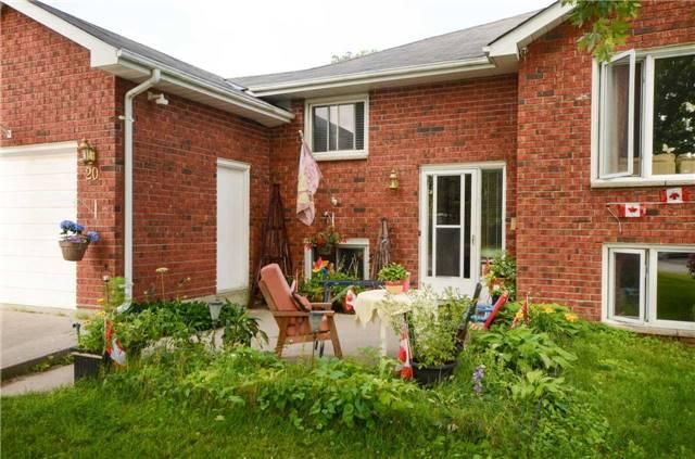Detached at 20 Hewson Dr, Port Hope, Ontario. Image 12