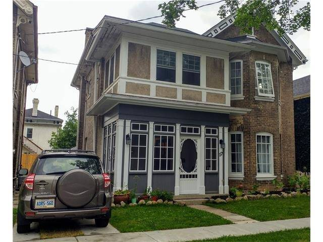 Detached at 17 Dufferin Ave, Brant, Ontario. Image 1