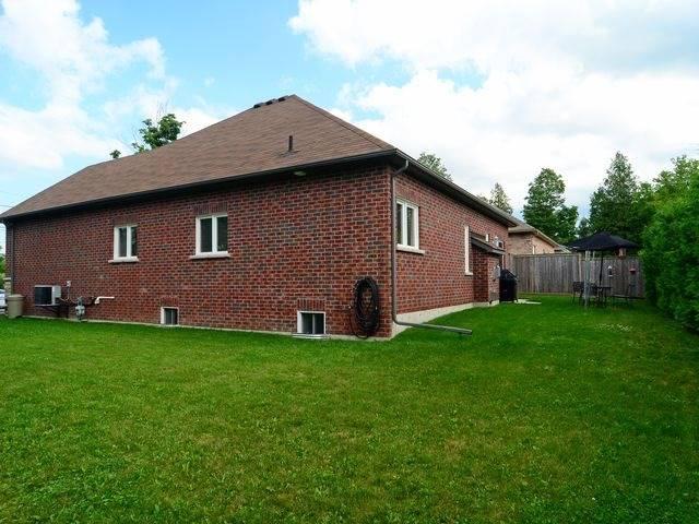 Detached at 31 Main St, Cavan Monaghan, Ontario. Image 13