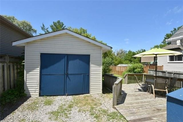 Detached at 118 Hillview St, Hamilton, Ontario. Image 15