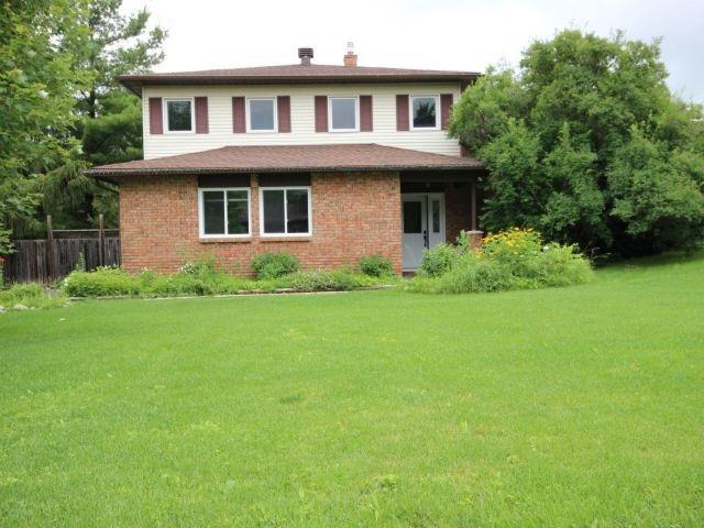 Detached at 20 East Healey Ave, Ottawa, Ontario. Image 1