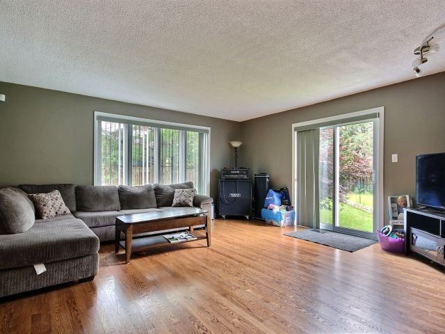 Detached at 20 East Healey Ave, Ottawa, Ontario. Image 14