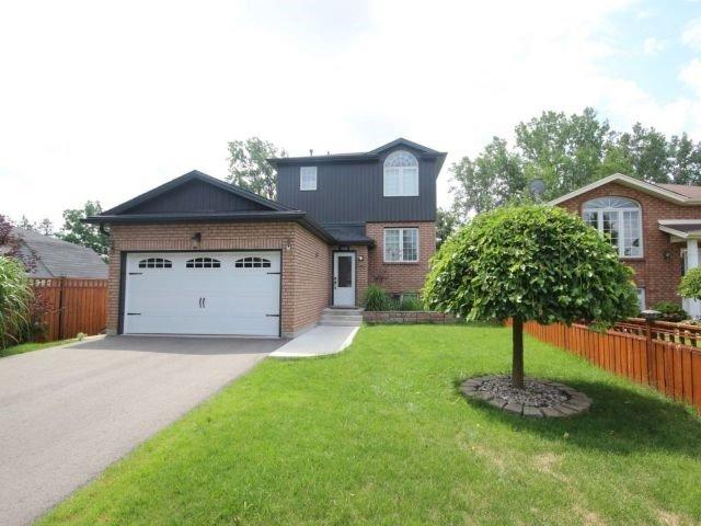 Detached at 7640 Charnwood Ave, Niagara Falls, Ontario. Image 1