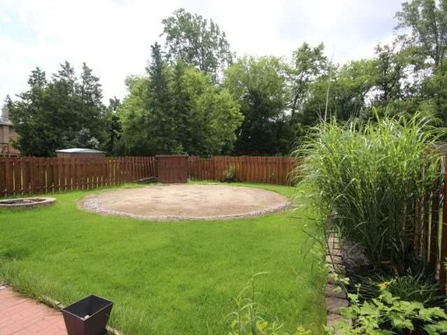Detached at 7640 Charnwood Ave, Niagara Falls, Ontario. Image 10