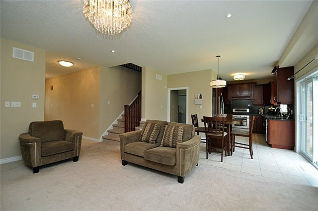 Detached at 626 Sundew Dr, Waterloo, Ontario. Image 15