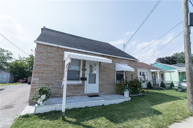 Detached at 444 Upper Sherman Ave, Hamilton, Ontario. Image 1