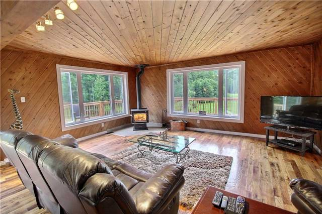 Detached at 7052 Country Road 503, Minden Hills, Ontario. Image 14