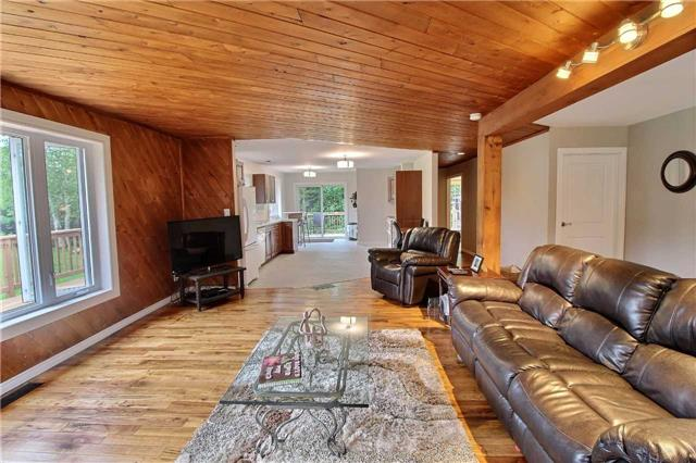 Detached at 7052 Country Road 503, Minden Hills, Ontario. Image 16