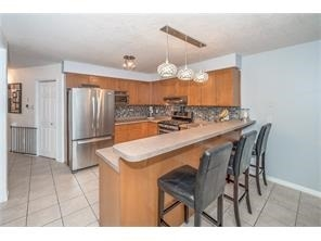 Detached at 137 Swift Cres, Guelph, Ontario. Image 2