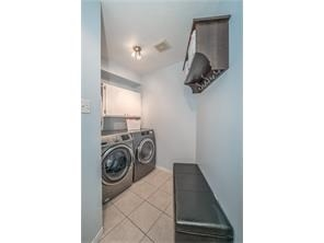 Detached at 137 Swift Cres, Guelph, Ontario. Image 6