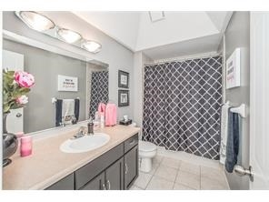 Detached at 137 Swift Cres, Guelph, Ontario. Image 13