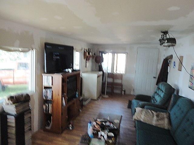 Mobile/Trailer at 42 Oakley Lane, Tweed, Ontario. Image 9