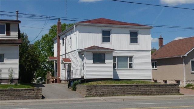 Triplex at 683 Regent St, Sudbury, Ontario. Image 1