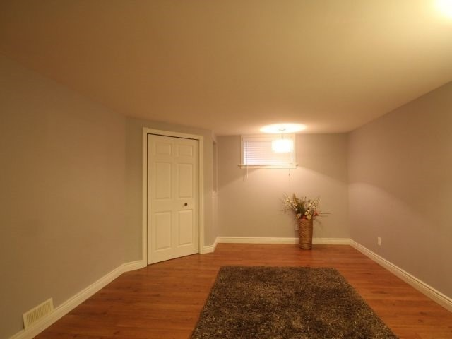 Detached at 494 Griffith St, London, Ontario. Image 4