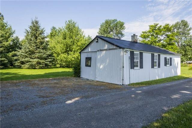 Detached at 906 Craigen Rd, Stone Mills, Ontario. Image 10