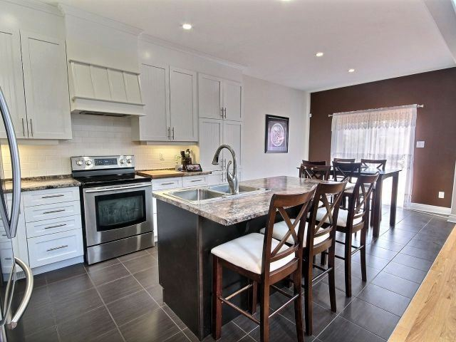 Detached at 390 Mercury St, Clarence-Rockland, Ontario. Image 3