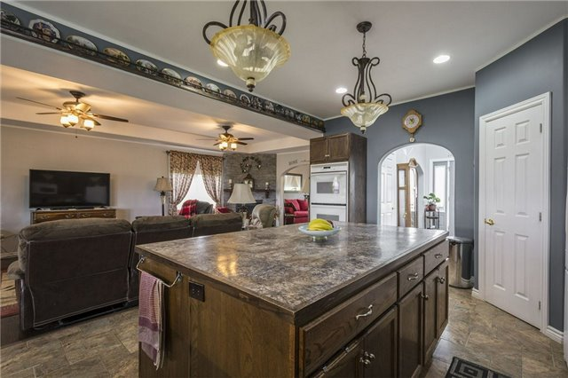 Detached at 2898 County 2 Rd, Prince Edward County, Ontario. Image 5