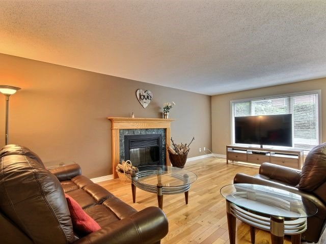 Detached at 1662 Autumn Ridge Dr, Ottawa, Ontario. Image 17