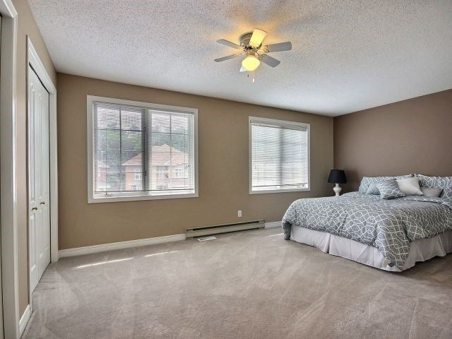 Detached at 1662 Autumn Ridge Dr, Ottawa, Ontario. Image 2