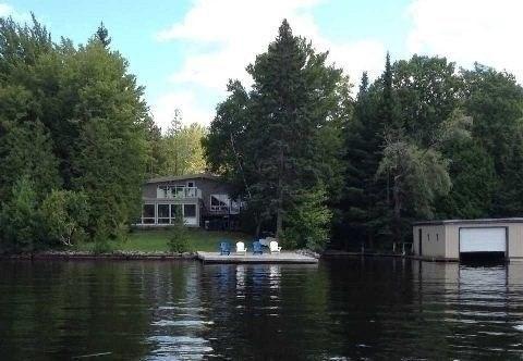 Cottage at 1023 Birch Point Rd, Muskoka Lakes, Ontario. Image 7