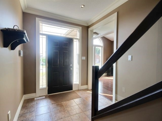 Detached at 2072 Westpoint Hts, London, Ontario. Image 12
