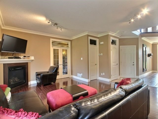 Detached at 2072 Westpoint Hts, London, Ontario. Image 14