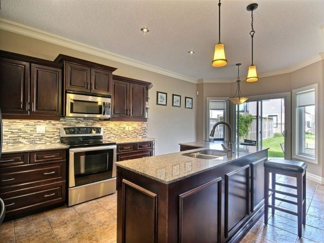 Detached at 2072 Westpoint Hts, London, Ontario. Image 18